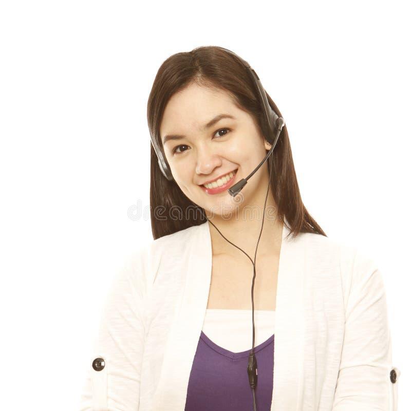 Jeune femme avec l'écouteur image stock