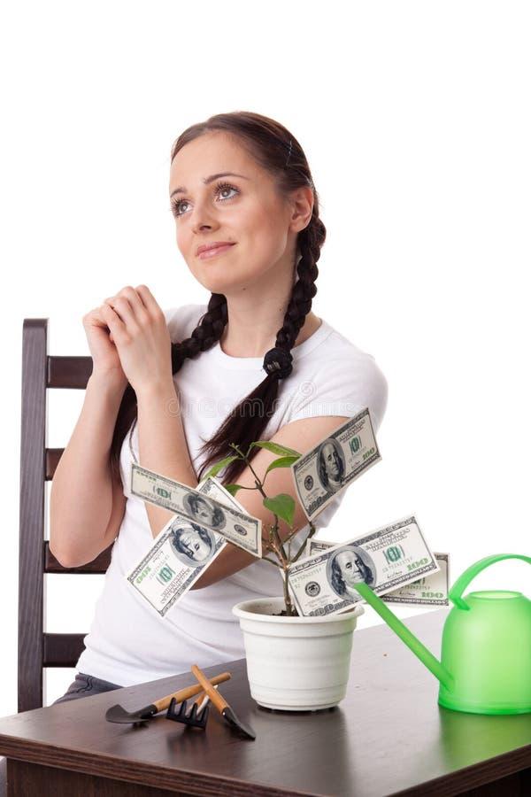 Jeune femme avec l'arbre d'argent. photographie stock