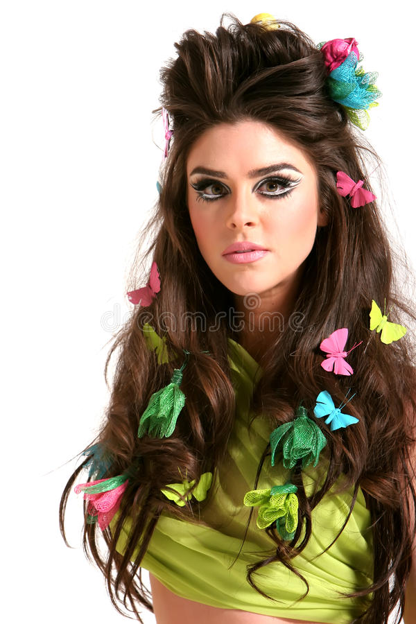 Jeune femme avec le renivellement et la coiffure de mode élevée photos libres de droits