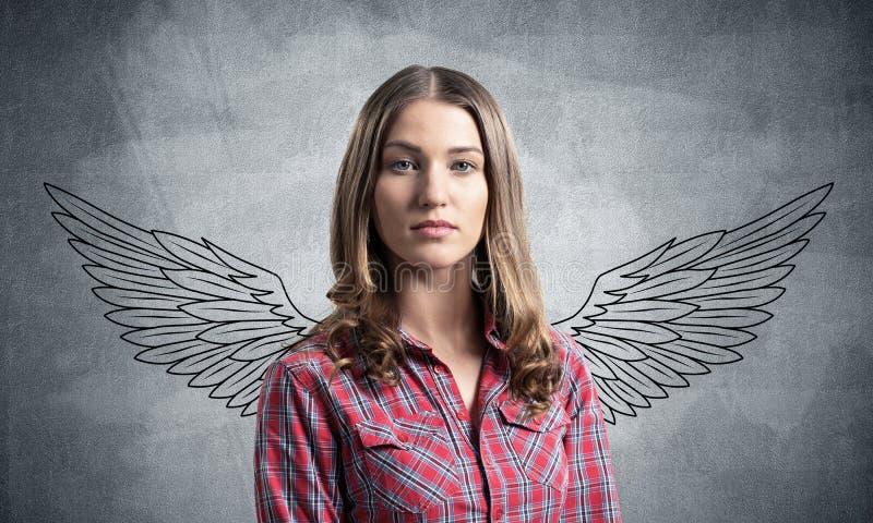 Jeune femme ayant le visage s?rieux et calme image libre de droits