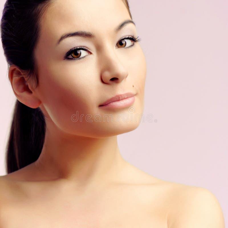 Jeune femme caucasienne sexy photographie stock libre de droits