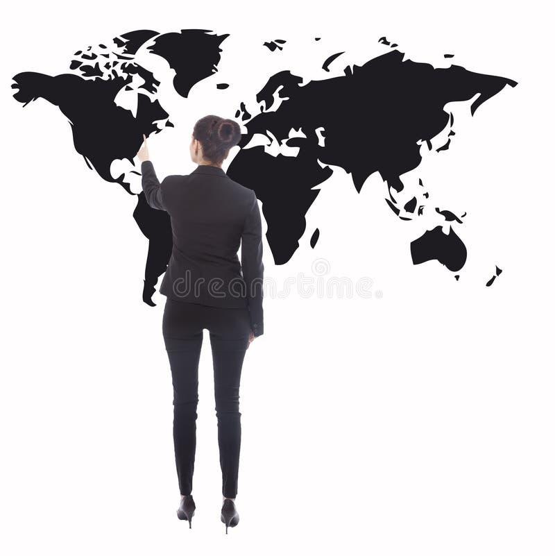 Jeune femme d'affaires avec la carte noire du monde d'isolement image libre de droits