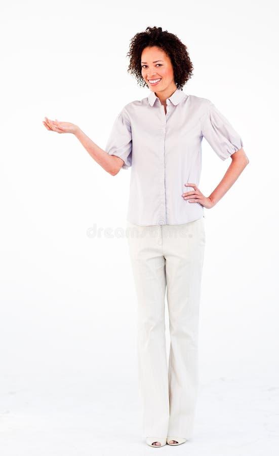 Jeune femme d'affaires avec la paume de main vers le haut image libre de droits