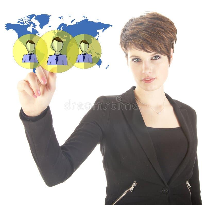 Jeune femme d'affaires avec les amis mondiaux virtuels d'isolement photos stock