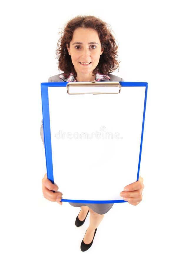 Jeune femme d'affaires de beauté montrant le document image stock