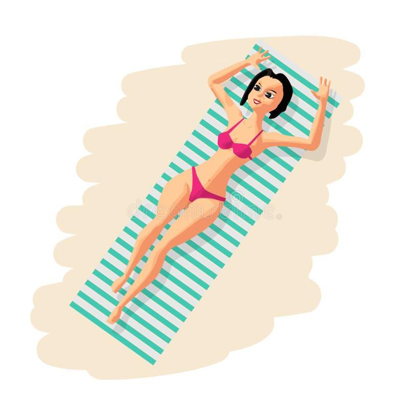 Jeune femme dans le bikini prenant un bain de soleil le mensonge sur la plage illustration stock