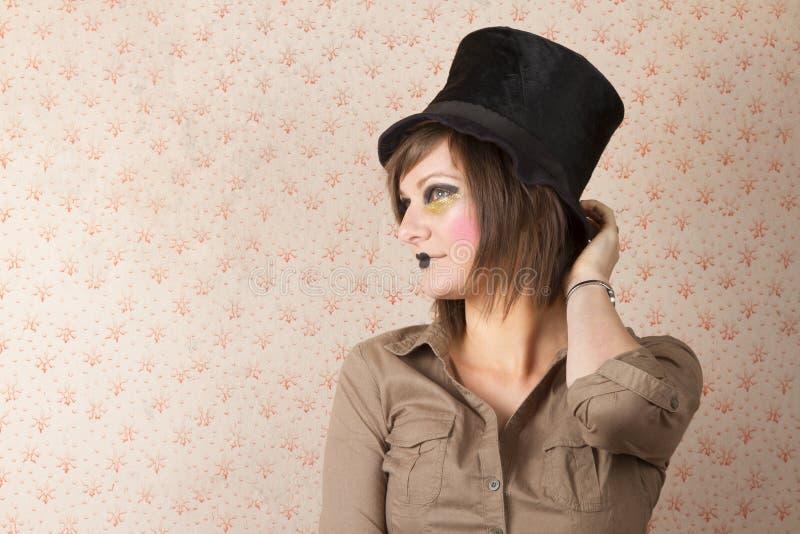 Download Jeune Femme Dans Le Chapeau Noir Photo stock - Image du mode, peinture: 45372246