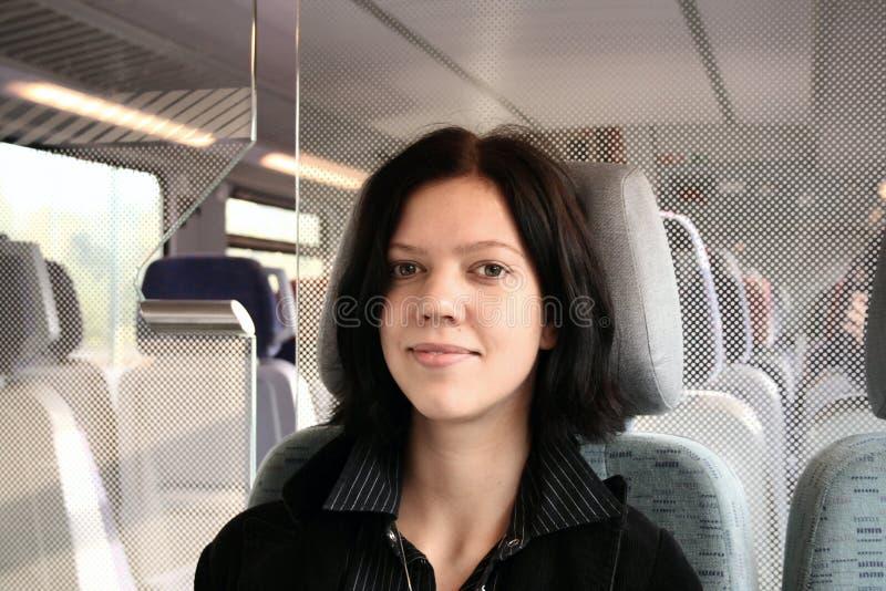 Jeune femme dans le train images libres de droits