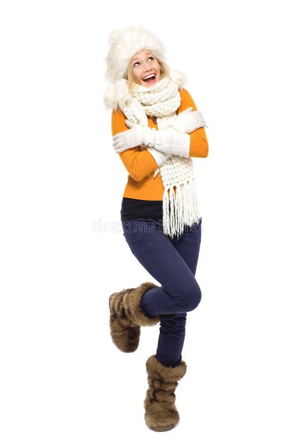 Jeune femme dans le vêtement de l'hiver image libre de droits