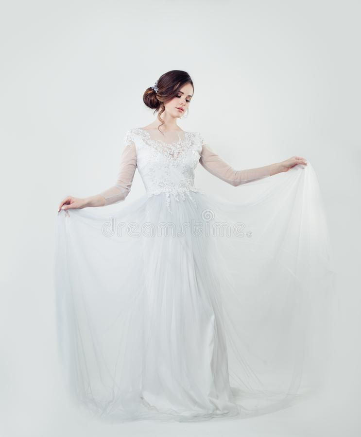 Modele De Charme De Jeune Femme Dans La Robe De Dentelle Elegante Photo Stock Image Du Dentelle Modele 131669534