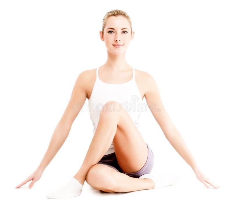 Jeune femme de forme physique photo stock