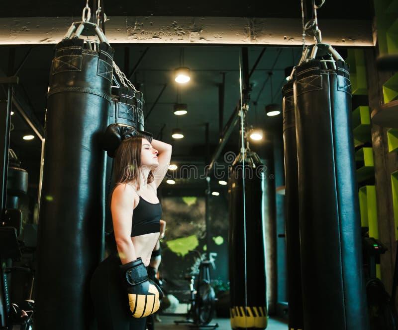 Jeune femme de sport photos libres de droits