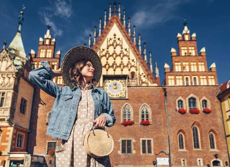 Jeune femme en Pologne image stock