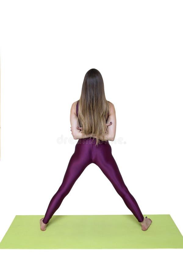 Jeune femme faisant étirant des exercices photos libres de droits