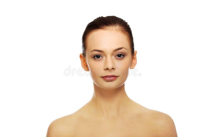 Jeune femme fraîche de belle brune images stock