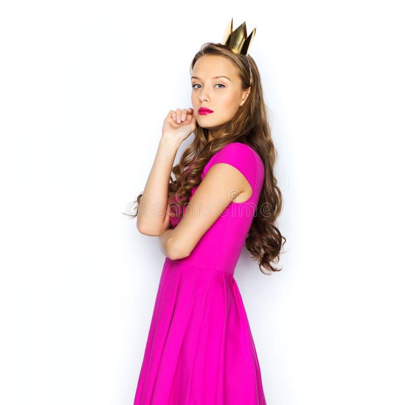 jeune femme ou fille d 39 ado dans la robe rose photo stock image du isolement adorable 62597798. Black Bedroom Furniture Sets. Home Design Ideas