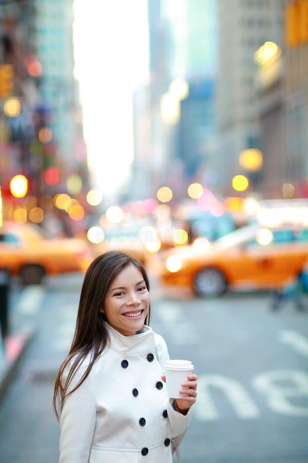 Jeune femme professionnelle urbaine New York photographie stock libre de droits