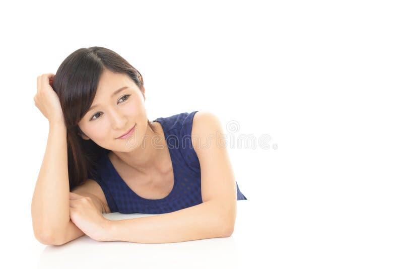 Jeune femme Relaxed photographie stock libre de droits