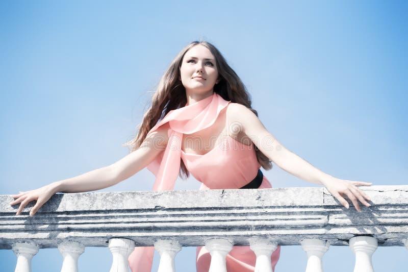 Jeune femme romantique images libres de droits