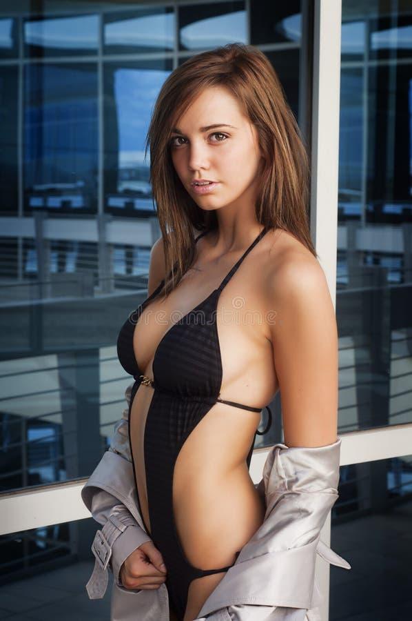 Jeune femme sexy photo stock