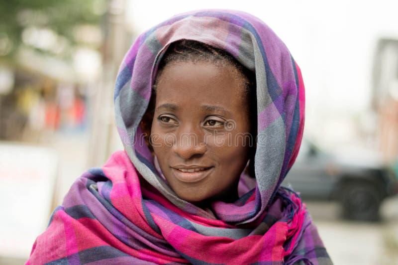 Jeune femme voilée photos libres de droits