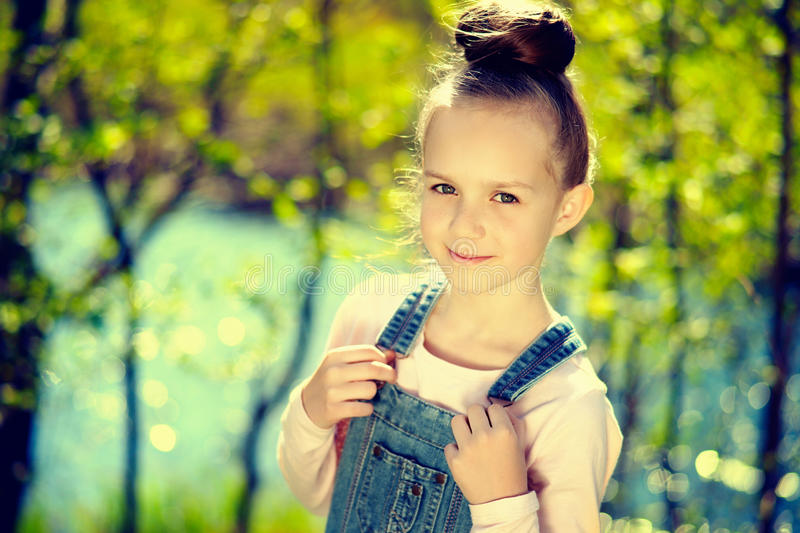 Jeune fille photo stock