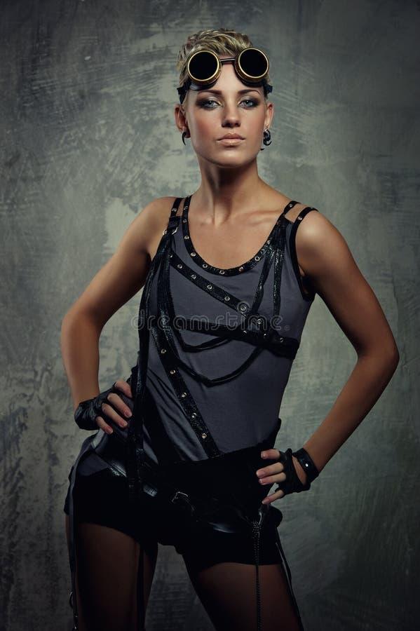 Jeune fille attirante de punk de vapeur. photos stock