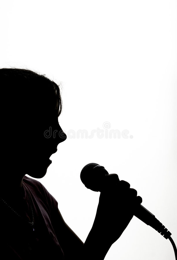 Jeune Fille Avec Le Microphone Image stock