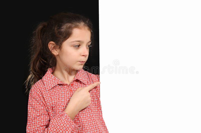 Jeune fille avec le tableau blanc photo libre de droits