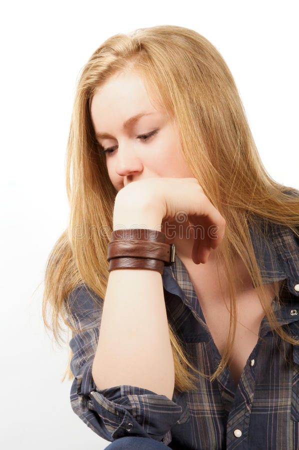 Jeune fille blonde triste photo stock