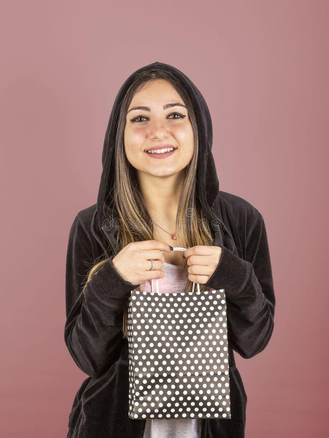 Jeune fille dans le studio photos libres de droits