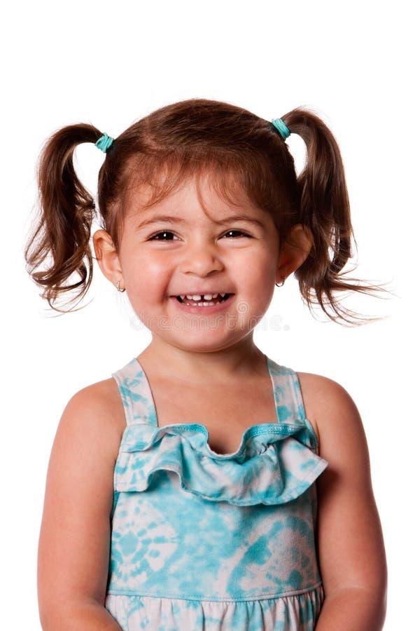 Jeune fille riante heureuse d'enfant en bas âge photos stock