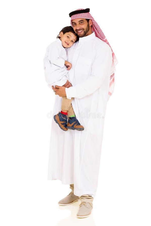 Jeune fils Arabe de père photos libres de droits