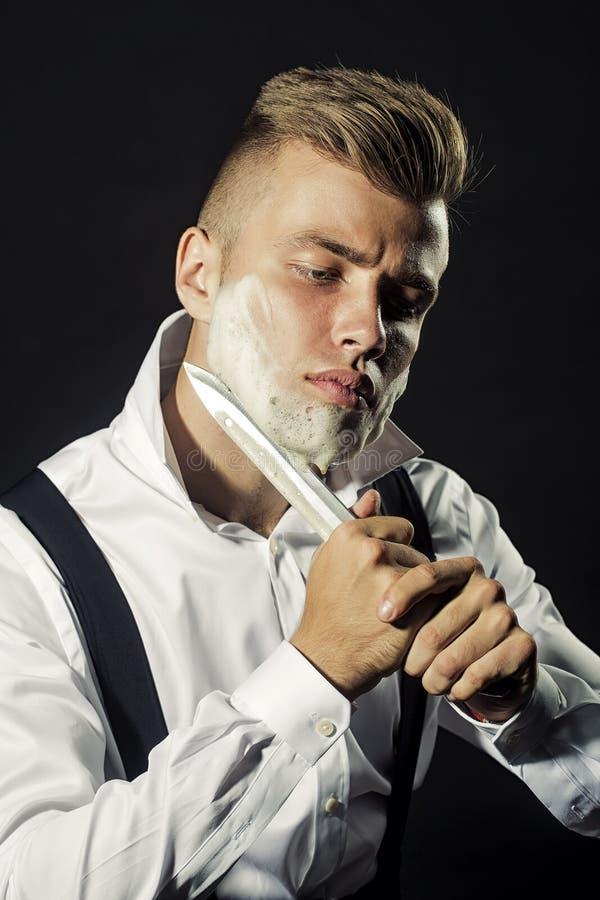 Jeune garçon de rasage photos libres de droits