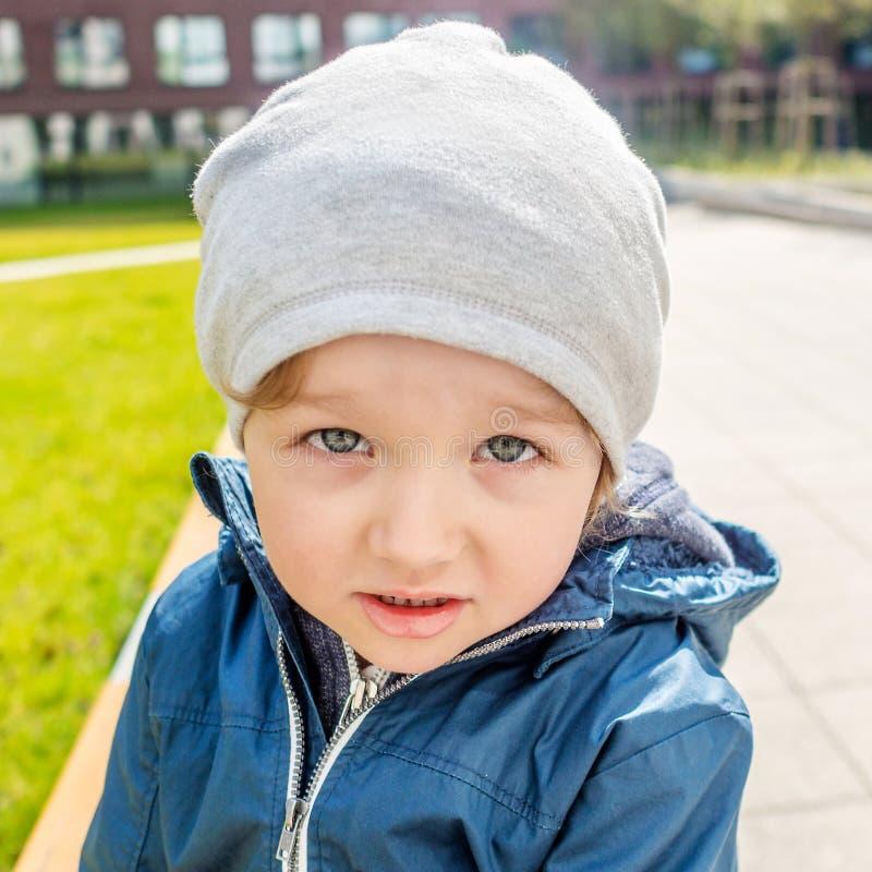 Jeune garçon impertinent photos stock