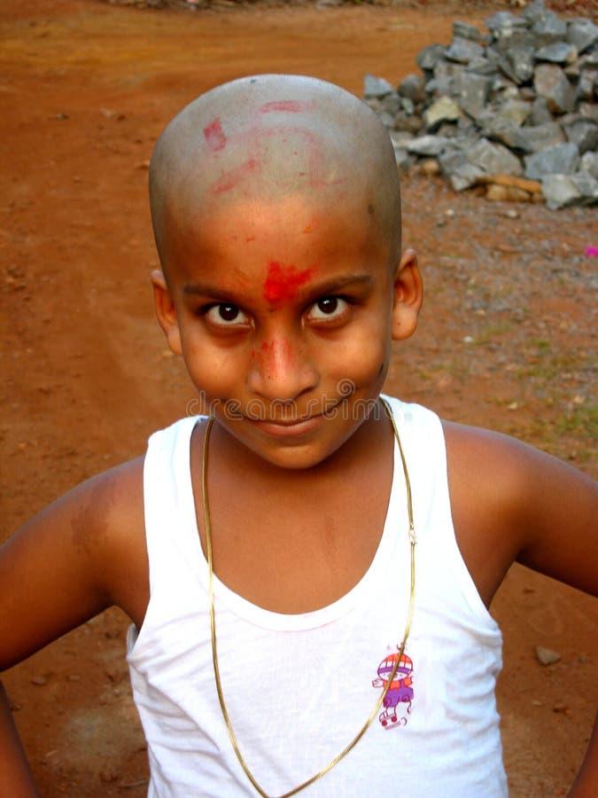 Jeune garçon indien heureux photographie stock