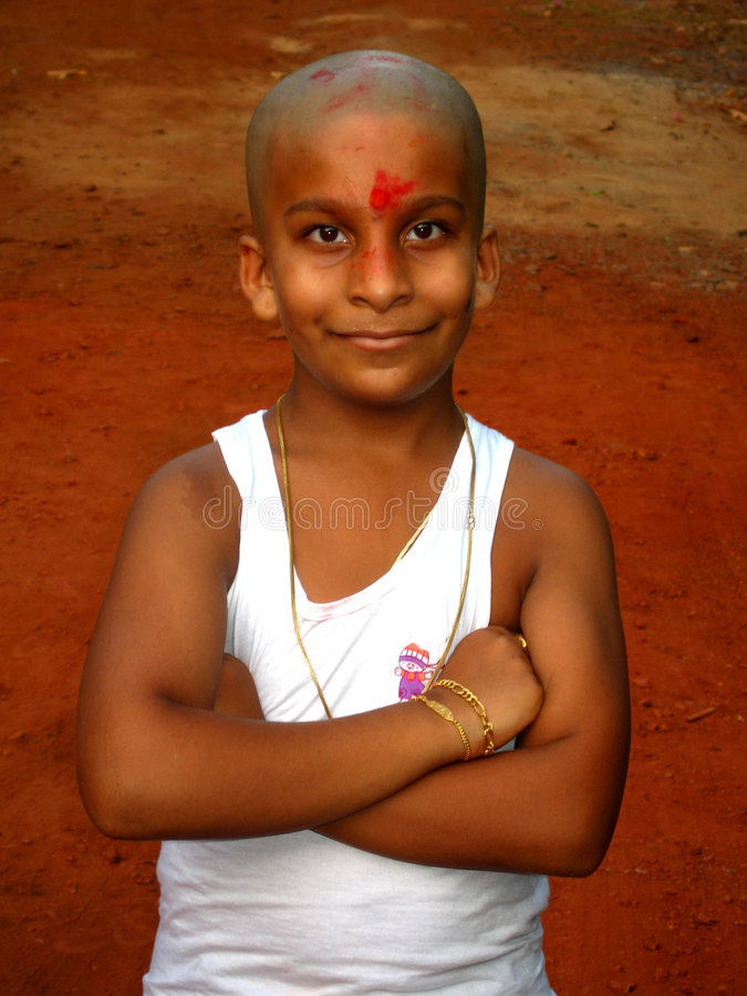 Jeune garçon indien heureux photos libres de droits