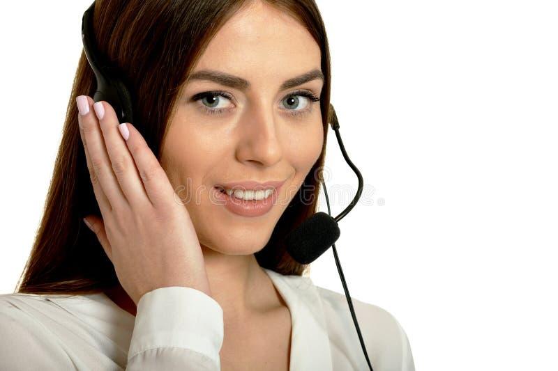 Jeune gentille femme d'opérateur d'appel image libre de droits