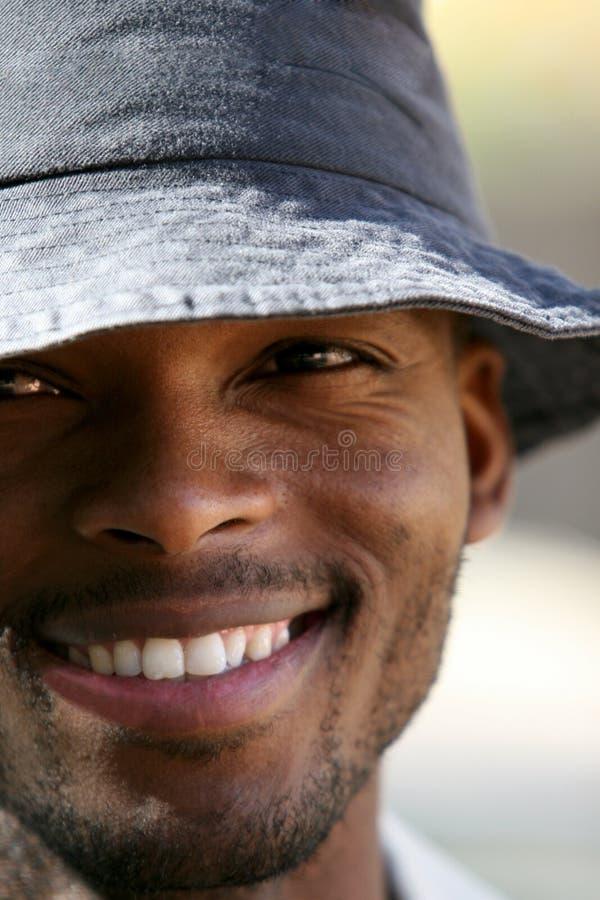 Jeune homme africain photographie stock libre de droits
