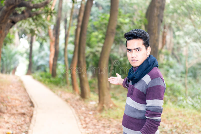 Jeune homme asiatique image libre de droits