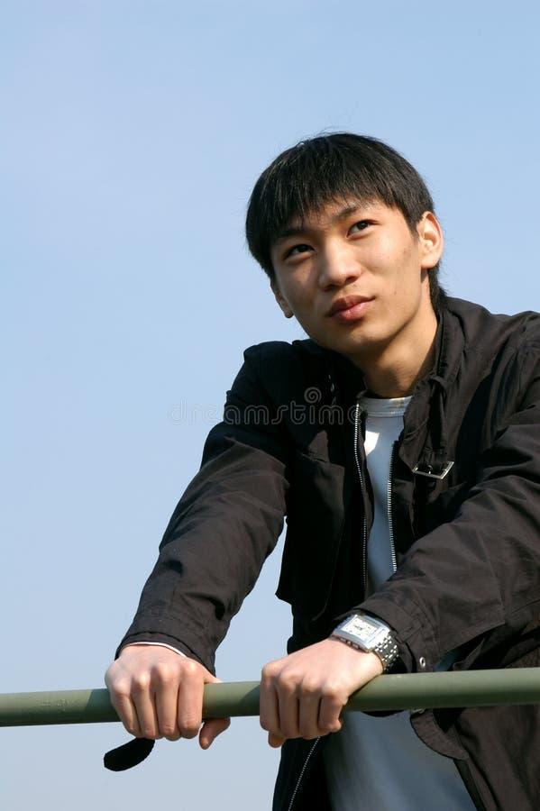 Jeune homme asiatique images libres de droits