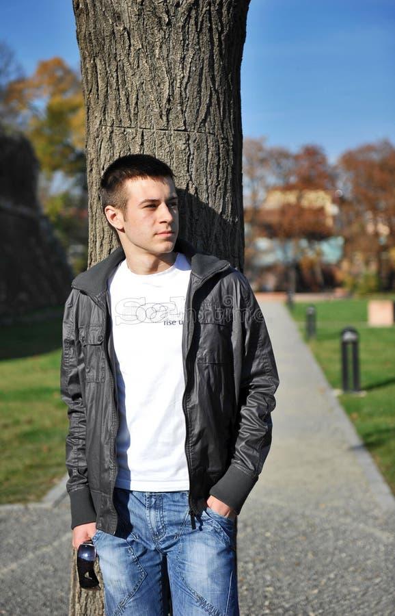 Jeune homme attirant image libre de droits