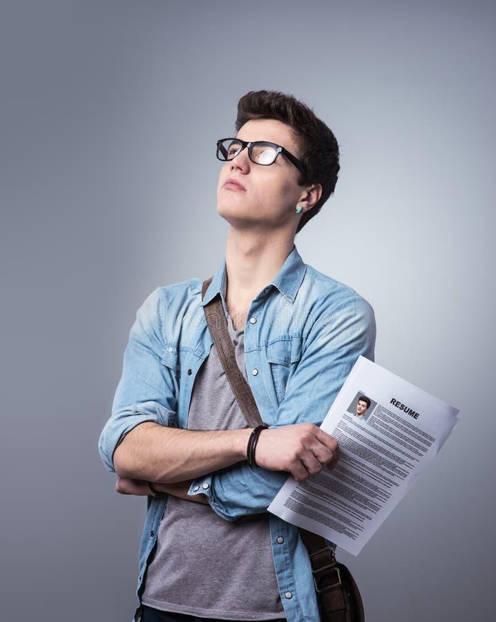Jeune homme avec le résumé images stock