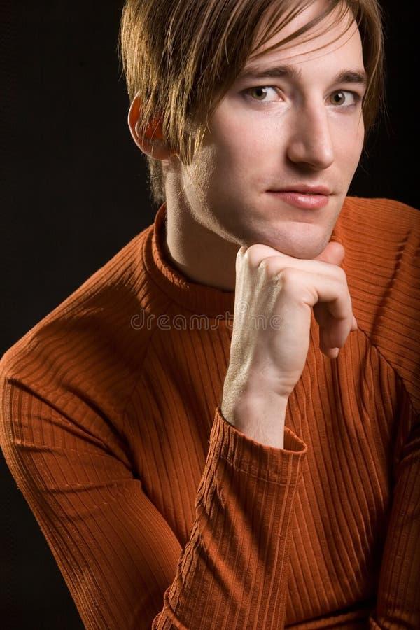 Jeune homme beau photo stock