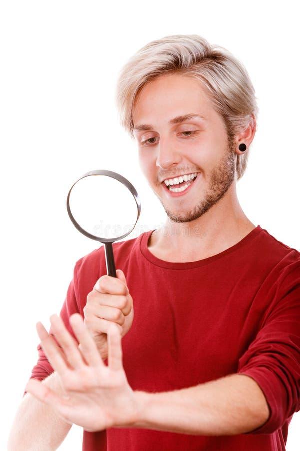 Jeune homme beau narcissique photos stock