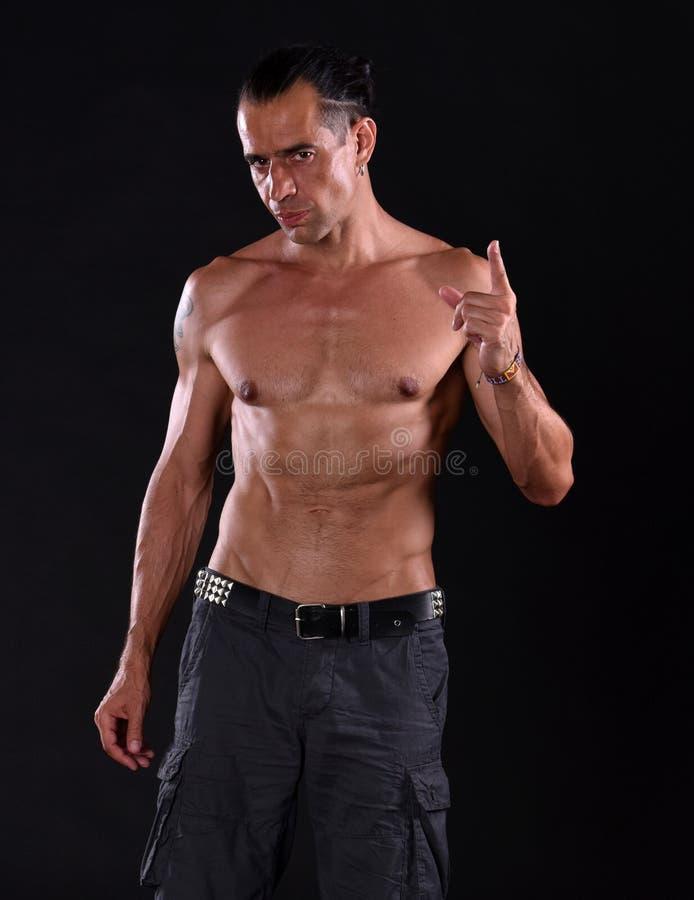 Jeune homme bel avec le torse nu photo libre de droits