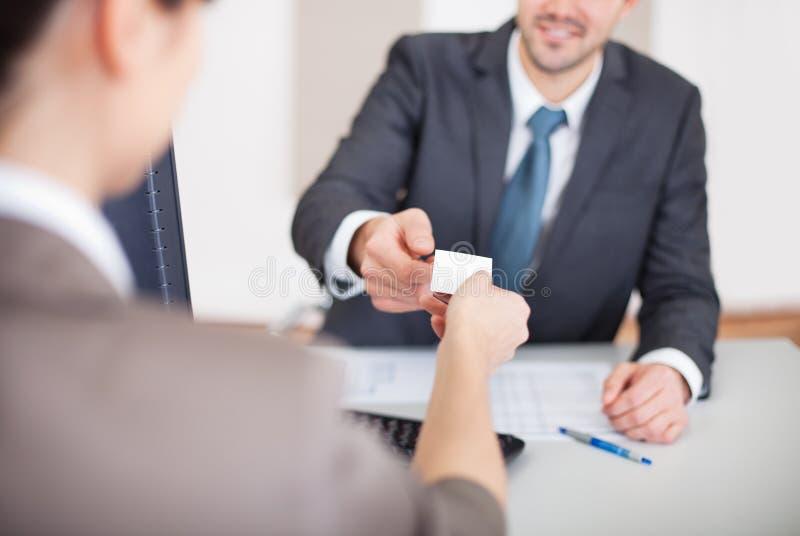 Jeune homme d'affaires à l'entrevue photos stock