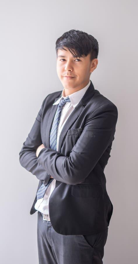 Jeune homme d'affaires asiatique de portrait photographie stock
