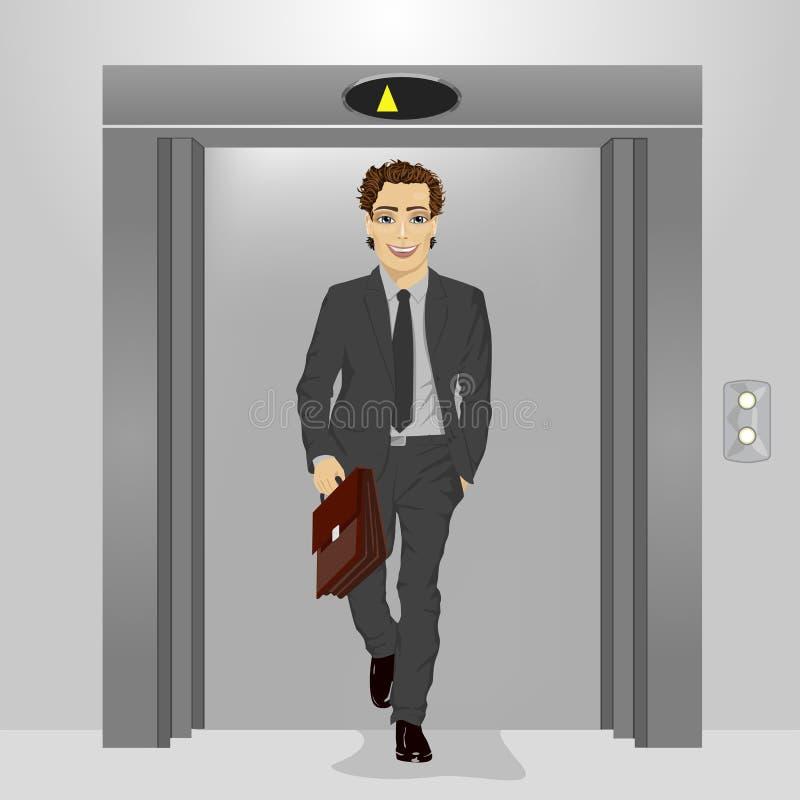 Jeune homme d'affaires avec la serviette sortant de l'ascenseur d'immeuble de bureaux illustration stock