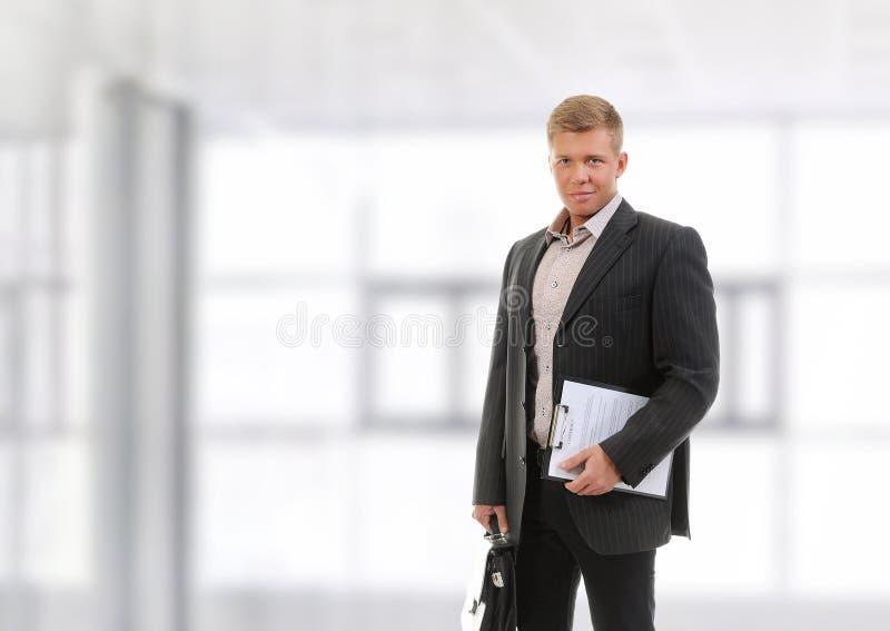Jeune homme d'affaires beau photo libre de droits